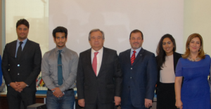 Fromt left to right: Sahir Mohyudin (Protection Officer) Abdulaziz Khalefa (InPEC Editor) António Guterres (High Commissioner for Refugees) Nabil Othman (Acting UNHCR regional rep) Fatma Khalfan (Assistant to Kuwait Office) Hanan Hamdan (Head of UNHCR office Kuwait)